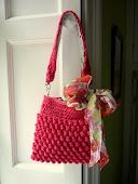 Link in right hand column below the about me section #purse #crochet #free
