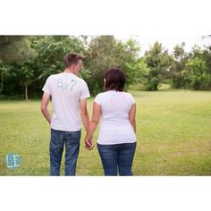 What do you think, a boy or a girl? Could do this but when taking the pic from the front have the gender reveal written on my belly.