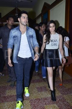 Alia Bhatt and Varun Dhawan have been flying in and out of cities through the whole of last month promoting their movie 'Humpty Sharma Ki Dulhania'. Bollywood Couples, Bollywood Stars, Bollywood Fashion, Indian Celebrities, Bollywood Celebrities, Bollywood Actress, Humpty Sharma Ki Dulhania, Alia Bhatt Varun Dhawan, Aalia Bhatt