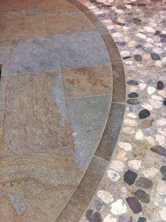 Treviso, particolare della fontana - Piazzetta Rinaldi - foutain details in trachyte