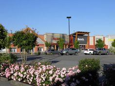 Outlet Queensborough Landing Vancouver Ottawa, Quebec, Calgary, Montreal, Vancouver, Toronto, Shopping Center, Outlets, Landing