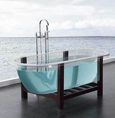 Great Transparent Acrylic Indoor Bathtub. Size: 1700 * 790 * 600mm/1740 * 790