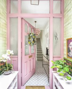 〚 Very colorful design of Edwardian townhouse in London 〛 ◾ Photos ◾Ideas◾ Design Home, Affordable Home Decor, House Exterior, Front Door, Pink Front Door, House Colors, House, Home And Family, Pink Houses