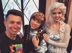 Squad goals  #Disneyland #SNOWfie #selfie #FROZEN #Elsa #Anna #Disneymagic #faithtrustpixiedust #nevergrowup #DisneySide #Disney #60thanniversary #diamondcelebration #faithtrustpixiedust #TwoCastlesOneWeekend #nonrevlife #nonrev #gayboy #jetsetgo #alwaysonthego by nathanjohn