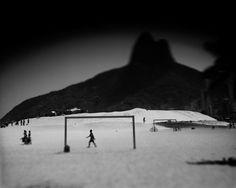 Leblon, Rio de Janeiro, by Claudio Edinger