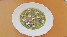 Brennnessel-Gänseblümchen-Suppe, ein schmackhaftes Rezept aus der Kategorie Kochen. Bewertungen: 8. Durchschnitt: Ø 4,1.