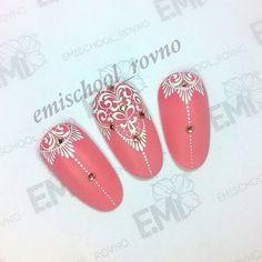Люблю гипюр на ногтях :)