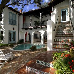Custom #HandPaintedTiles used in the exterior of a designer's home in Orlando.