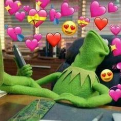 kermit the frog with hearts 100 Memes, Funny Memes, Dankest Memes, Sapo Meme, Memes Lindos, Heart Meme, Cute Love Memes, Current Mood Meme, Kermit The Frog