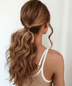 15 Cute Ponytails with Bangs to Copy for 2020 Low Pony Hairstyles, Easy Hairstyles, Wedding Hairstyles, Cute Everyday Hairstyles, Cute Simple Hairstyles, School Hairstyles, Headband Hairstyles, Vintage Hairstyles, Summer Hairstyles