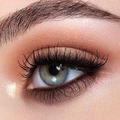 Urban Decay Eyeshadow, Urban Decay Makeup, Eyeshadow Looks, Eyeshadow Palette, Urban Makeup, Urban Decay Naked Heat, Peach Eyeshadow, Colorful Eyeshadow, Eyeshadows