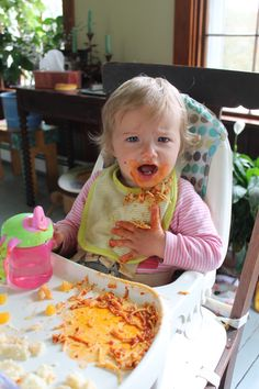 Infant Self-Feeding (Baby Led Weaning) for Infant and Spoon Feeding Tips that Encourage Self-Feeding
