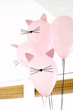 Kitty Cat Birthday Party with cat balloons Kitten Party, Partys, Birthday Party Themes, Birthday Party For Cats, Birthday Ideas, Birthday Crafts, Birthday Kitty, Funny Birthday, Birthday Party Decorations Diy