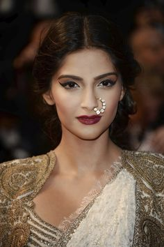 Sonam Kapoor Nose Ring in Cannes 2013 - Favorite film with Sonam: Aisha... best modern adaptation of Emma.