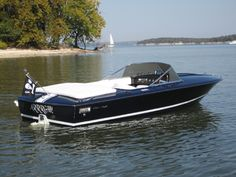"""Chris-Craft To Appear In The New Series """"Extreme Factories"""" For The Travel Channel 