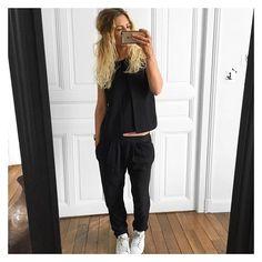 Top #samsoe sur @cyrielleforkure pantalon Holidays #bashparis sur @bashparis baskets #stansmith sur @adidasoriginals #ootd by meleponym