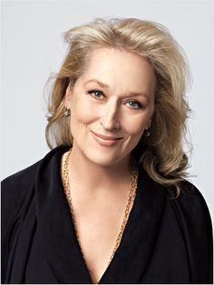 Great hair style and makeup. Um Certo Olhar: Simplesmente, Meryl Streep. http://olhardomarcos.blogspot.com/2012/10/simplesmente-meryl-streep.html