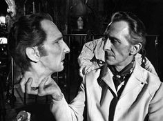 """Peter Cushing holding his own head (which is ultimately served up on a platter) for Amicus Productions' """"The House That Dripped Blood"""" segment """"Waxworks"""" (1971)"""