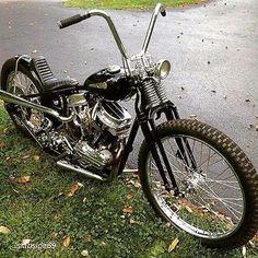 Harley Davidson Panhead Bobber with springer fork Bobber Bikes, Cool Motorcycles, Vintage Motorcycles, Harley Panhead, Harley Bikes, Motos Vintage, Vintage Bikes, Chopper Motorcycle, Bobber Chopper