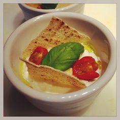 Crema di burrata con pomodorini e pane carasau #cannavacciuolo
