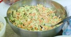 Pikk-pakk elkészül és ilyen gyorsan el is fogy. Salad Recipes, Vegan Recipes, Hungarian Recipes, Food 52, Vegetable Dishes, Quick Meals, Food Inspiration, Food To Make, Food And Drink