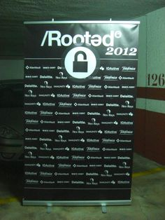 Roll Up Publicitario - Rooted.com