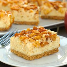 Caramel-Apple Cheesecake Bars - the wonderful, sweet tastes of fall in amazingly delicious cheesecake bars!