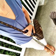 Blue Wrap Tee. White skinny jeans. Tory Burch miller sandals. Louis Vuitton Pochette Metis. Casual Summer outfit. Shop here on MrsCasual.com