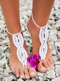 White Crochet Barefoot Toe Ring Anklet