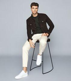 Denim Jacket Fashion, Denim Jacket Men, Men's Denim, Men Shorts, Denim Jackets, Smart Casual Menswear, Men Casual, Blue Suede Jacket, Man Dressing Style