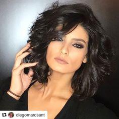 ❤️❤️❤️ #Repost @diegomarcsant (@get_repost) ・・・ Um curto sexy e do momento para quem tem cabelos ondulados e volumosos como o de…