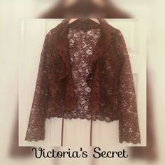 STUNNING VICTORIA'S SECRET MODA LACE SHELL GORGEOUS DARK CHOCOLATE LACY SHELL WRAP BY MODA, CREATED BY VICTORIA'S  IN EXCELLENT CONDITION!  Has soft velvet wrap around belt ribbon and flayed arms..This must be seen on to appreciate, as photos do not justify the variety of this unique piece! Tag reads small, but would easily fit medium.   All of my items come from extremely clean non-smoking non-pet home and laundered only in eco-friendly detergent. Tops