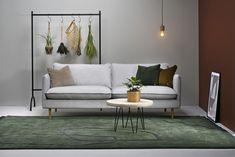 Kuusilinnan oman malliston Ilma on siro löhösohva Sofa, Couch, Luxor, Furniture, Home Decor, Settee, Settee, Decoration Home, Room Decor