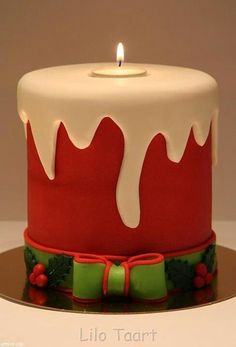 christmas candle cake - For all your cake decorating supplies, please visit… Christmas Cake Designs, Christmas Cake Decorations, Christmas Cupcakes, Christmas Sweets, Holiday Cakes, Noel Christmas, Christmas Candles, Christmas Goodies, Christmas Baking