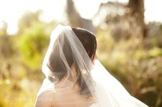Bride's soft wedding veil Location ~ Kings Park, Perth Photography by DeRay & Simcoe