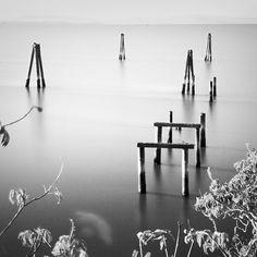 Decomposing pier