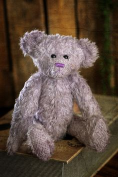 Hello!!! My name is Carmen, a beautiful lady of the most recent 2020 summer collection of Muppie's Bears. I am made of a soft, light purple Schulte mohair, and with my black eyes I'm looking forward to meet my new adoption family! Height (standing): 27 cm Height (sitting): 18 cm A 'love' necklace is included. Soft Light, Light Purple, Love Necklace, My Black, Love S, Little Gifts, Summer Collection, Bears, Adoption