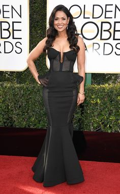"Golden Globes 2017 ""Extra's"" Tracey Edmonds donned a sexy black dress to attend the Annual Golden Globe Awards at The Beverly Hilton Hotel on Jan. Beautiful Dresses, Nice Dresses, Prom Dresses, Tracey Edmonds, Diana, Lil Black Dress, Edwardian Dress, Black Celebrities, Celebs"