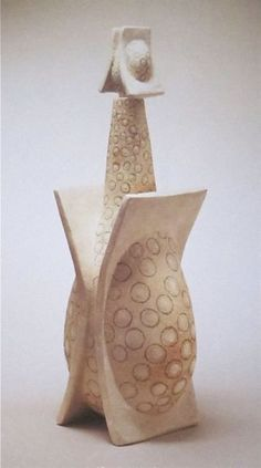 Leza McVey   1946     Leza McVey is the most famous   American ceramicist you have never heard of.   Why?    Lots of reasons,   but I'll ...