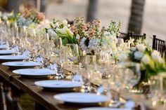 white flowers table decor
