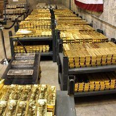Luxury Boat, Luxury Private Jets, I Love Gold, Gold N, Gold Bars For Sale, Fille Gangsta, Gold Bullion Bars, Gold Reserve, Money Stacks