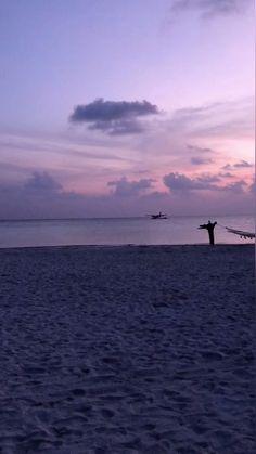 Maldives Destinations, Maldives Vacation, Maldives Beach, Visit Maldives, Ocean At Night, Beach At Night, Sky Aesthetic, Travel Aesthetic, Aesthetic Photography Nature