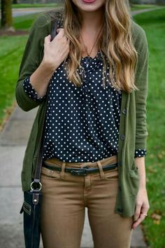 Tan skinnies, black and white polka dot shirt and olive sweater. Casual and comfy but still stylish for long days on-campus studying Mode Outfits, Casual Outfits, Fashion Outfits, Office Outfits, Fashion Clothes, Casual Dresses, Fall Winter Outfits, Autumn Winter Fashion, Fall Fashion