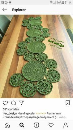 Learn To Crochet Circle Lace Motif Crochet Girls, Crochet Round, Crochet Motif, Crochet Designs, Crochet Doilies, Crochet Flowers, Hand Crochet, Filet Crochet, Diy Crochet Tablecloth