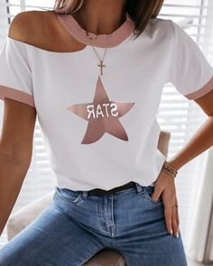 Star Print Cold Shoulder Casual T-shirt Simple Outfits, Chic Outfits, Trendy Outfits, Fashion Outfits, Casual T Shirts, Casual Tops, Cool T Shirts, Blouses For Women, T Shirts For Women