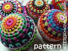 Crochet pattern Christmasball in 4 sizes by ATERGcrochet