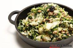 migas-de-grelos-com-bacalhau-e-feijao-frade Food For Thought, Fish Recipes, Salad Recipes, Low Calorie Recipes, Healthy Recipes, Portuguese Recipes, Portuguese Food, Kitchen Reviews, Good Food