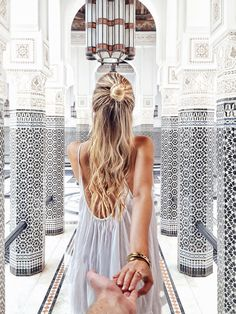It took me a little while, but I finally updated my Marrakech travel guide to share with you all the places I truly love and recommend after visiting Marrakech twice! When I went to Marrakech… Marrakesh, Mamounia Marrakech, Visit Marrakech, Marrakech Travel, Marrakech Morocco, Ohh Couture, Leonie Hanne, Foto Pose, Adventure Travel