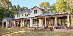 Grand Bayou Lakehouse - Farmer Payne Architects - Farmhouse - Exterior - New Orleans - by Farmer Payne Architects - Sun Valley Style At Home, Architecture Design, Classical Architecture, Haus Am See, Modern Farmhouse Exterior, Southern Farmhouse, Rustic Houses Exterior, Industrial Farmhouse, Rustic Farmhouse