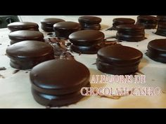 Como hacer alfajores marplatenses (Tipo Havana) - YouTube Macarons, Cookie Recipes, Recipies, Cheesecake, Muffin, Pudding, Sweets, The Creator, Cookies